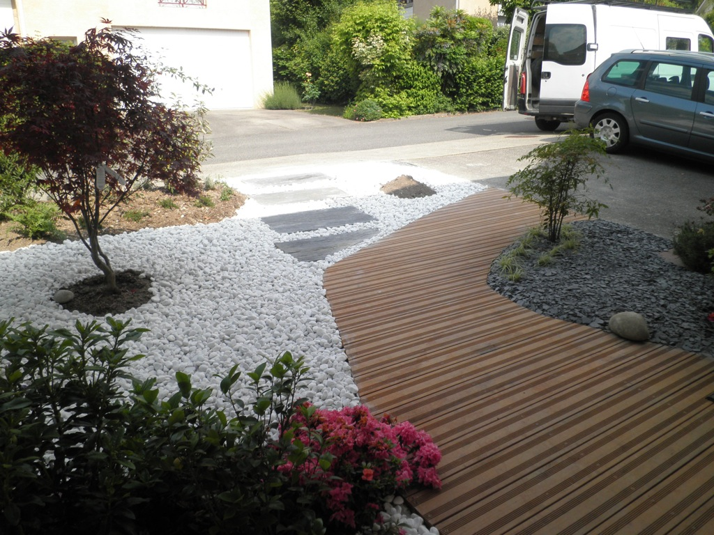 Cr ation de jardin arborescence paysage for Allee devant maison