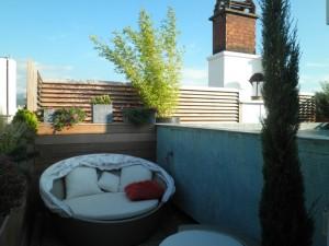 Brise vue et petit coin repos sur une terrasse de Grenoble