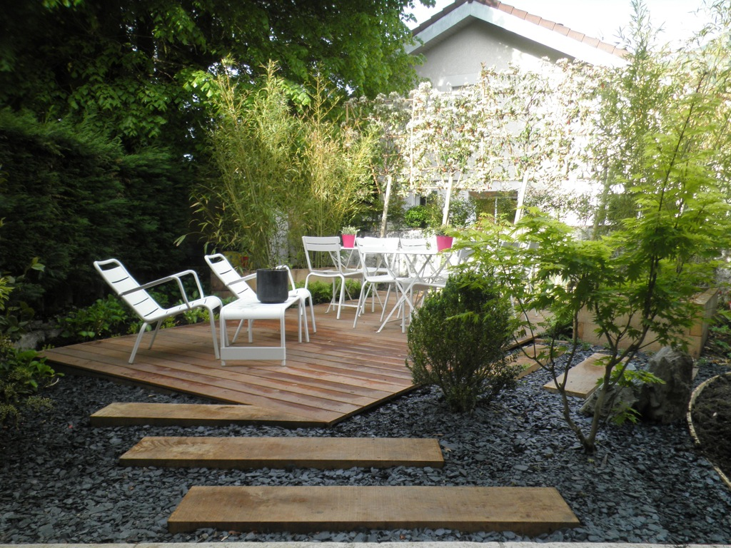 amenagement petit jardin avec terrasse. Black Bedroom Furniture Sets. Home Design Ideas