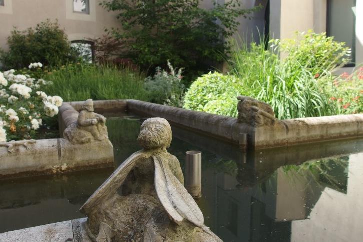 Visite de jardin le couvent sainte c cile des edition gl nat arborescence paysage blog - Bassin jardin japonais grenoble ...