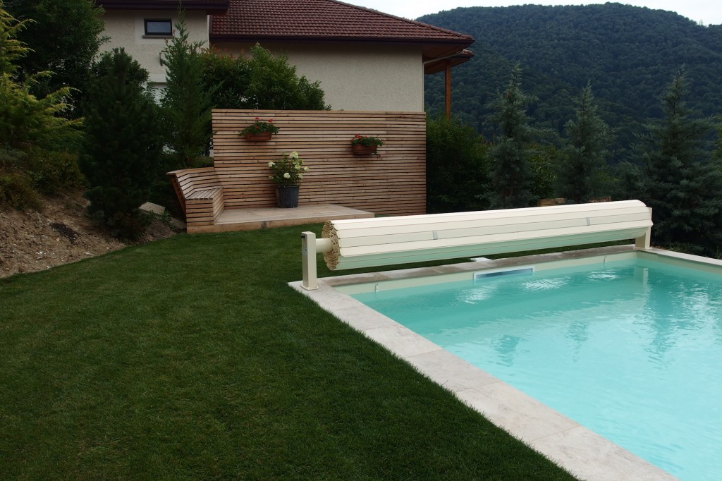 implantation d une piscine dans un jardin arborescence paysage blog. Black Bedroom Furniture Sets. Home Design Ideas